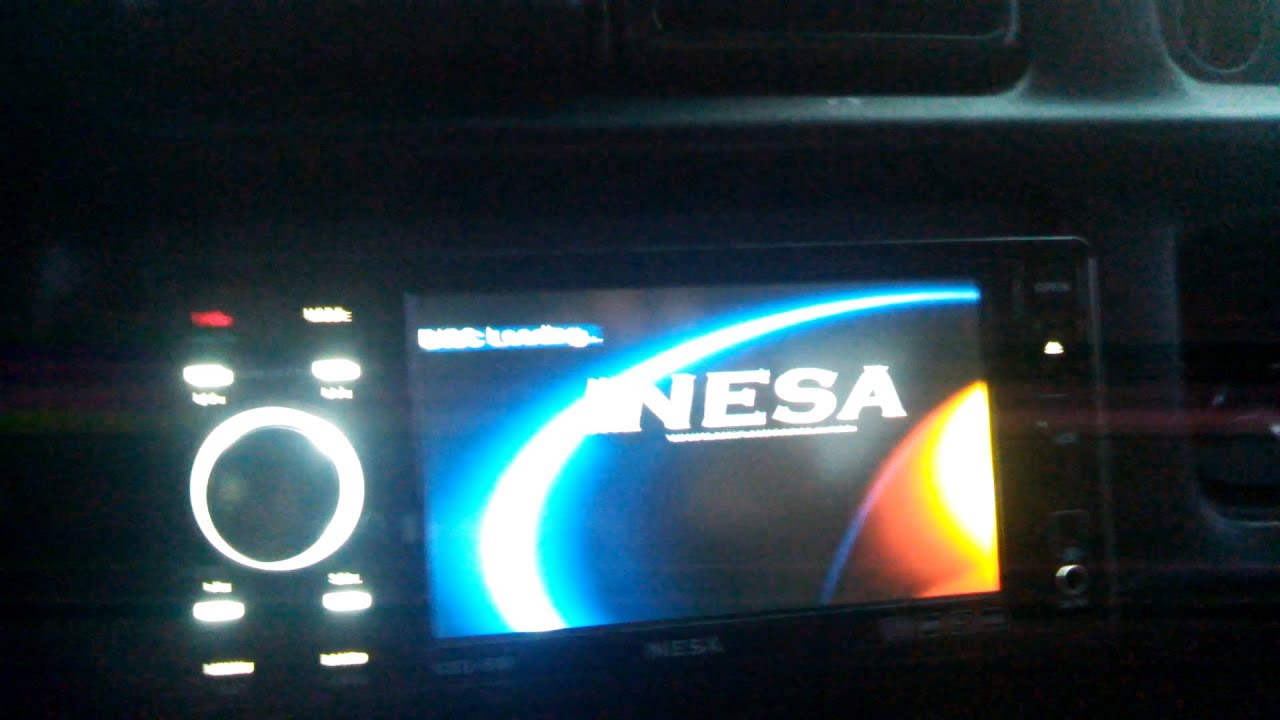 Nesa NSD-500 radio with removable face plate on