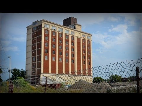 Let's Explore - Tower Automotive (Abandoned Factory/Office Building)