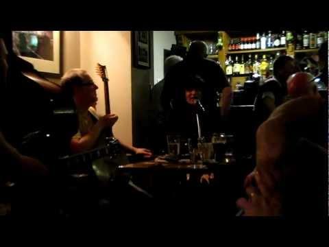 Me Singing Factory Girl at Larkin's Bar (Limerick, Ireland)