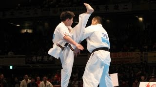 前田優輝vs村山努 The 42th All Japan Open Karate Tournament Quarterf...