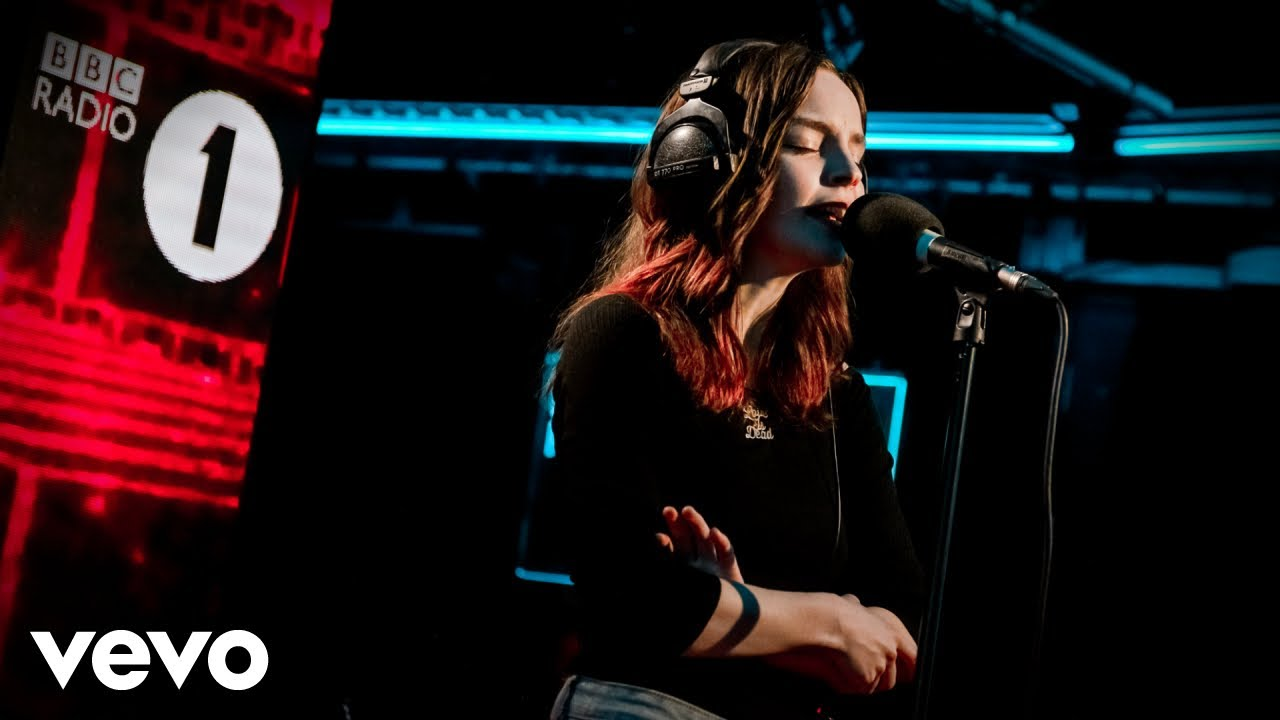 Chvrches Get Out In The Live Lounge Youtube