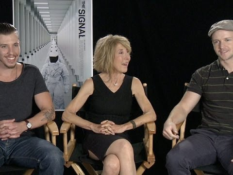 Director William Eubank, Lin Shaye and Beau Knapp Talk 'The Signal'