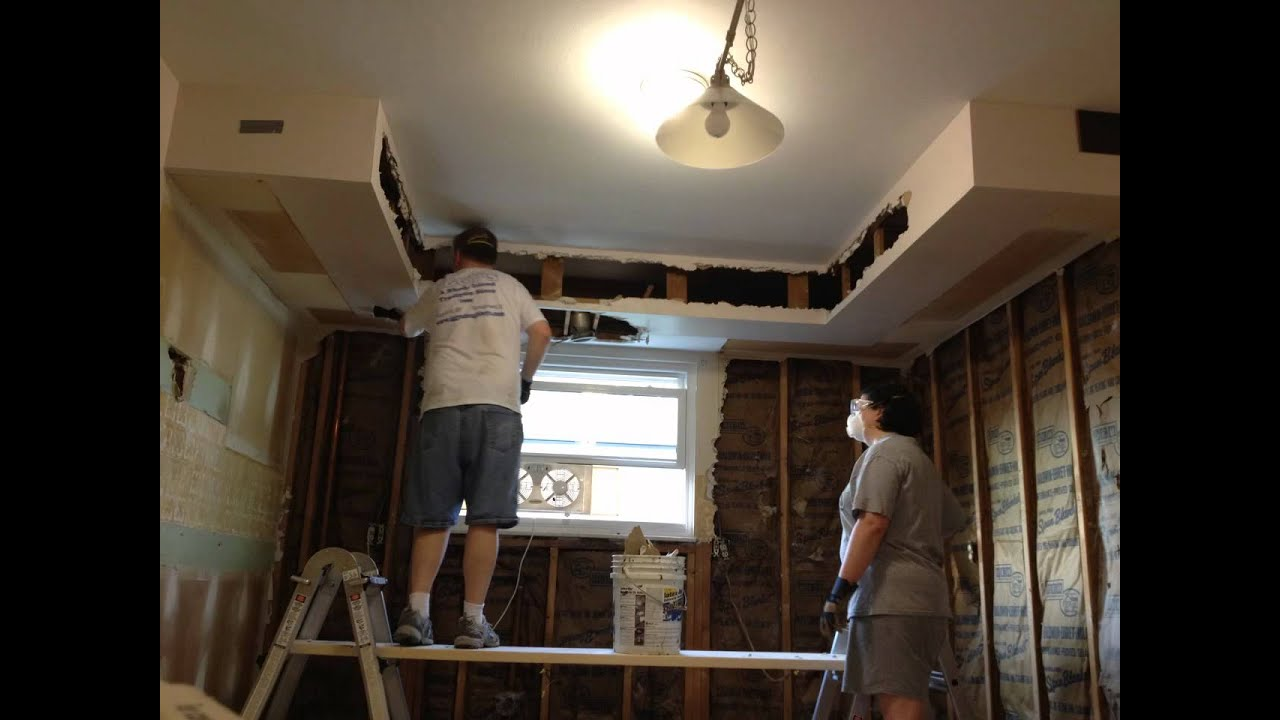 ourikeakitchen.blogspot - kitchen soffit removal - drywall