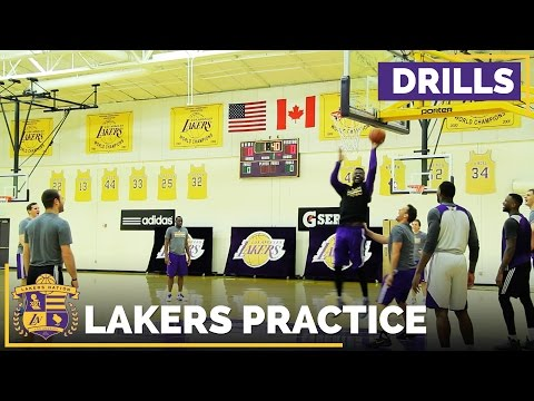 Luke Walton Plays Defense Vs. Lakers Bigs In Practice