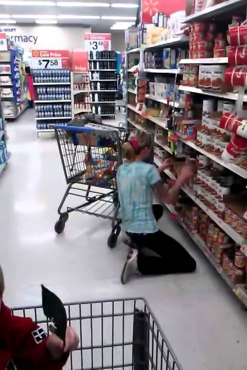 meth fail girl is tweaking in walmart