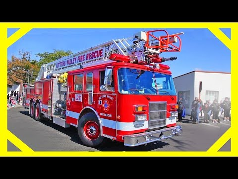 Fire Trucks at the Parade - Videos for Toddlers with Machines for Kids