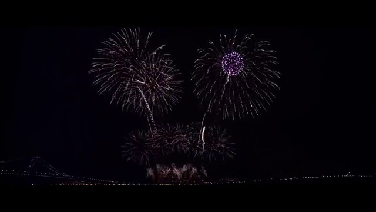 Delware Riverfront at Philadelphia Fireworks Display on ...