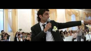 Жених и невеста очень красиво поют