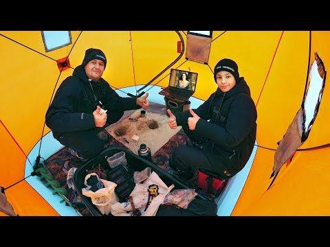 Зимняя рыбалка в палатке с комфортом! Ловим леща с Глебусом, смотрим кино - полный кайф и отдых!