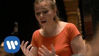 Elsa Dreisig sings