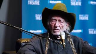 Willie Nelson on Being a Disc Jockey // SiriusXM // Willie's Roadhouse