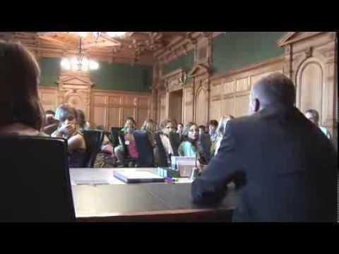 Glarner Schulklasse besucht das Bundeshaus