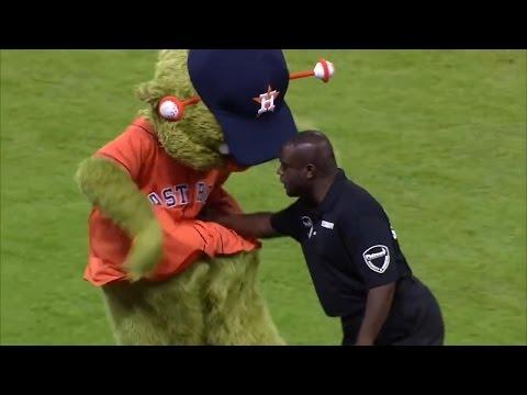 Dance Battle - Astros Mascot Vs. Security Guard