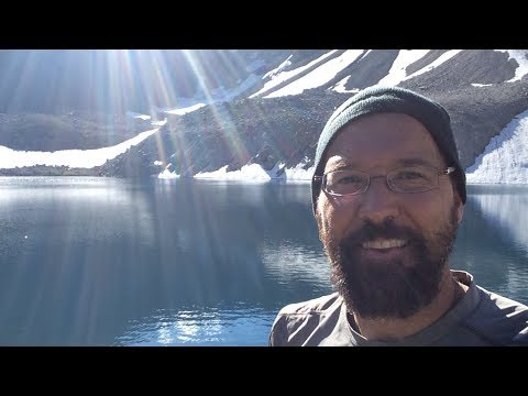 Overnight hike to Loomis Lake in Don Getty Wildland Provincial Park