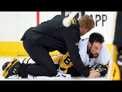 NHL: Helmets Knocked Off