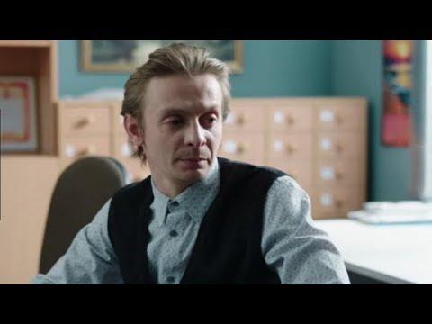 """Помните учителя из """"Физрука""""? Посмотрите с кем живет актер Евгений Кулаков"""