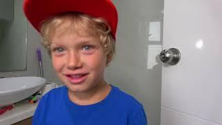 ليف وأبيه وقصة الدش السحري / Magic shower from m&m