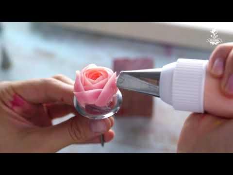 Круглая роза с глубокой серединкой из крема Chantyflex шантифлекс.