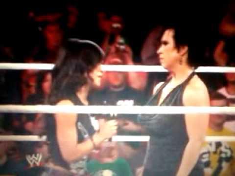 Vickie Guerrero And John Cena Kiss