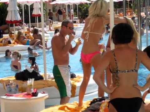 Sexy Summer In Las Vegas Wild Pool Parties - Fun Hot Video with Great Scenery and Music