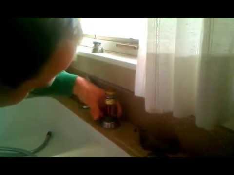 kitchen-faucet-repair--delta-pullout-spray-#1