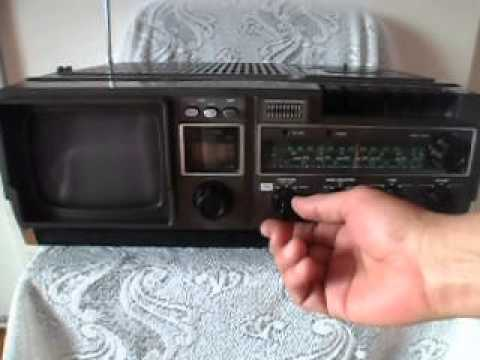 ANTIGUA BROKSONIC TV-RADIO-CASSETTE RECORDER 80s.