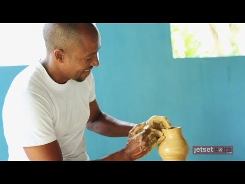 Making Pottery in the Dominican Republic