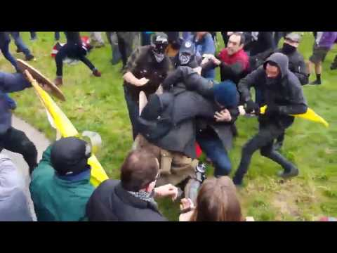 Antifa Attack Trump Supporters, Based Stickman Defends March4Trump Berkeley 3/4/17