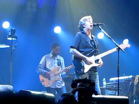 Eric Clapton & Steve Winwood  Tough Luck Blues  Omaha Qwest 6-20-09    Incredible Show !