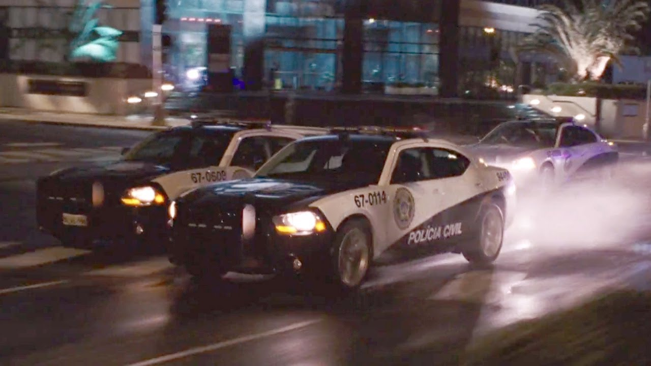 Download FAST and FURIOUS: FAST FIVE - Police Car Race (Dodge Charger SRT8) #1080HD
