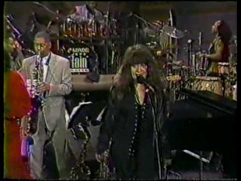 Darlene Love and Ronnie Spector - Sleigh Ride