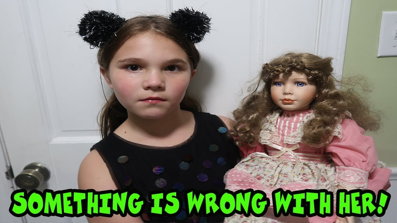Download Something Is Wrong With Her! The Doll Maker Is Controlling Carlie! Escape The Doll Maker