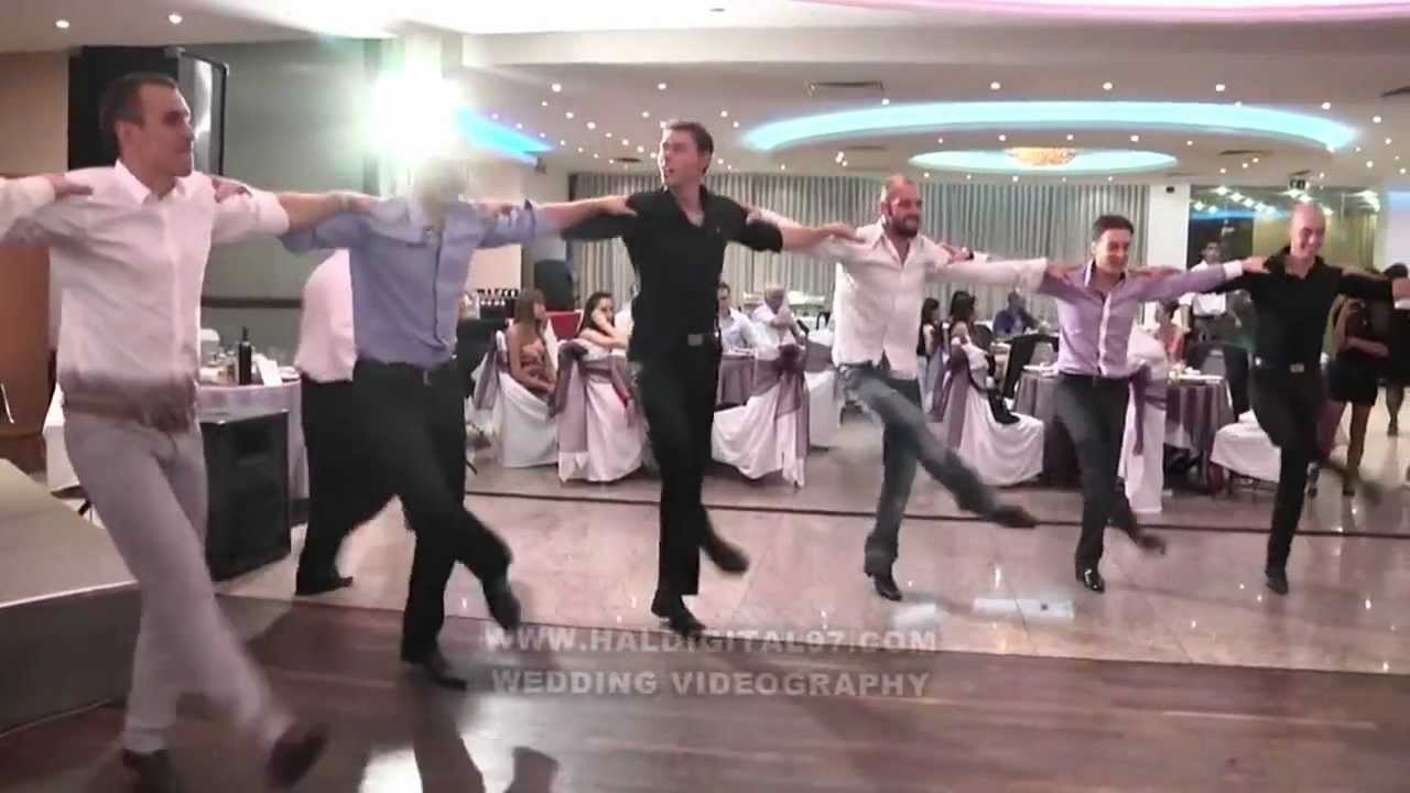 Много са добри! Още едно българско хоро, което побърка интернет!