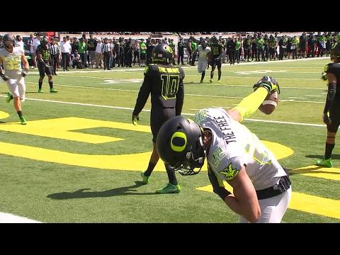 Recap: Justin Herbert looks poised for strong season in Oregon football