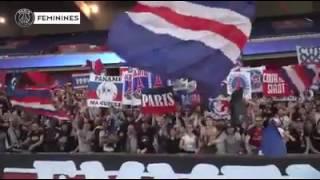 Communion entre les joueuses et le CUP après la Victoire 4-0 des féminines du PSG face au Bayern