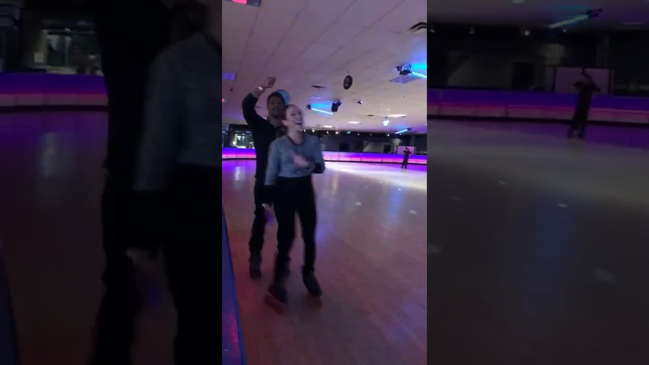 Roller skating kendall - Selena Gomez At The Roller Skating Rink 4 16 2017