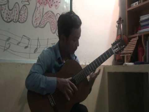 """Tiếng đàn Ta lư - Guitar live Show """"Van Anh mot chang duong 5"""""""