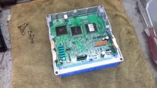 Как выглядит изнутри электронный блок управления Ниссан Максима А32.