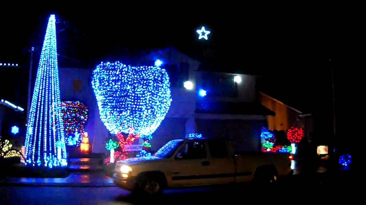 Modesto Christmas Light Display - YouTube