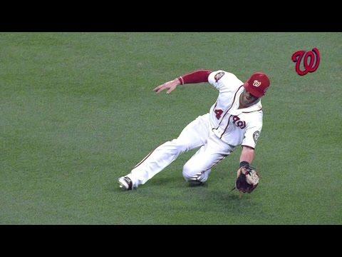NYM@WSH: Harper makes sliding grab on...
