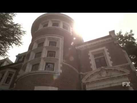 Bande Annonce VF - AHS saison #1 murderer house