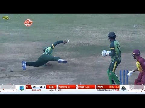 Unbelievable! Chris Gayle takes a one-handed blinder in GT20Canada Final