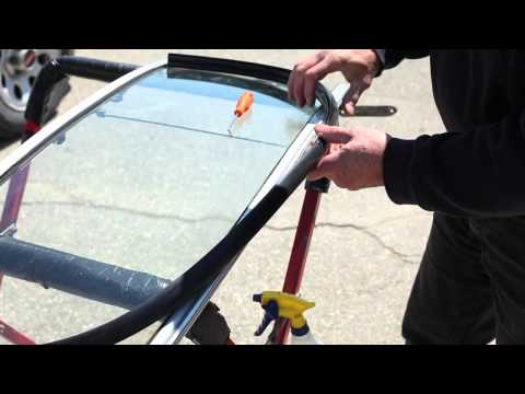 194 MGB Windscreen Rubber Installation