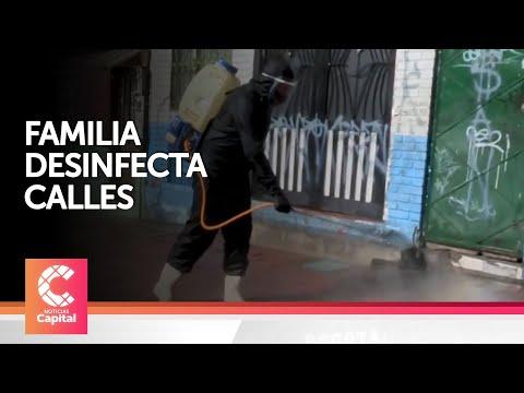 Familia desinfecta calles gratis en Bogotá from YouTube · Duration:  1 minutes 22 seconds