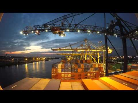 Timelapse - Entering Port of New York City & Cargo Operations [4k]