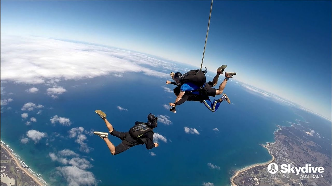 video Great Ocean Road 15,000ft Tandem Skydive