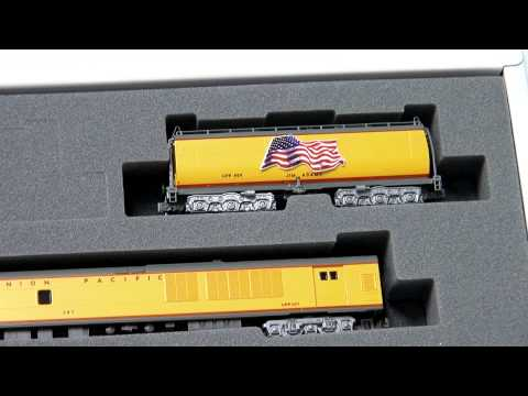 Kato USA N scale FEF-3, Water Tender and Excursion Train Set Unboxing