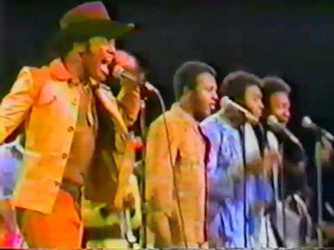 "Bobby Womack & Peace ""Lookin' For A Love"" LIVE on U.S. TV 1974"