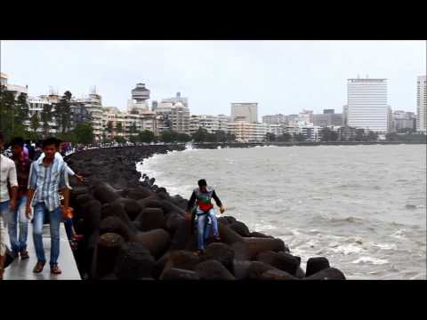 Mumbai -  Marine Drive in Monsoon [HD]