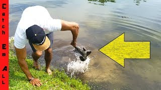 FISH MAKES PEOPLE PUKE when CAUGHT BY HAND!